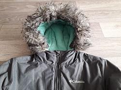 Продам зимнюю  куртку на девочку Усть-Каменогорск