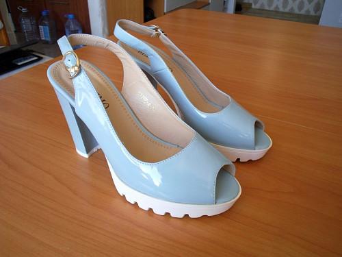 Продаю туфли, платье, костюм, ботинки Темиртау