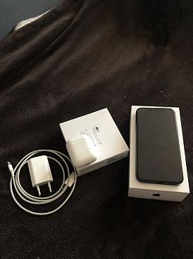 Продам Iphone x + airpods,зарядка в комплекте всё оригинал Нур-Султан