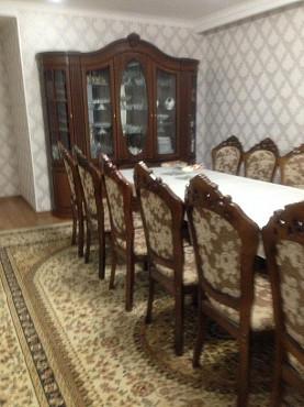 Продаётся стол и стулья(14штук) также Горка Шымкент