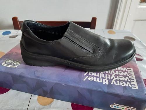 Продам школьные подростковые туфли черного цвета Нур-Султан