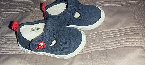 Продам детские сандалии Петропавловск