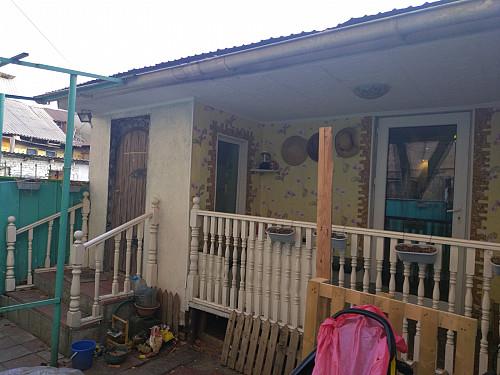 Продам двухомнатный дом с земельным участком в хорошем районе. Алматы