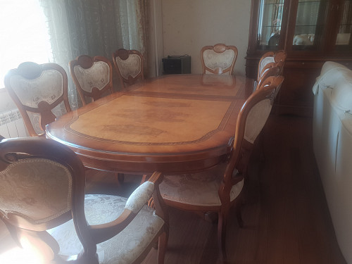 Итальянский стол и стулья для гостиной Нур-Султан