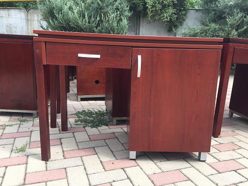 Продам столы и шкафы б\у, хорошего качества и состояния. Алматы