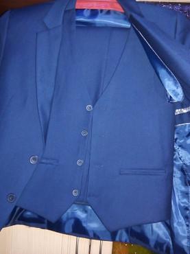 Продается школьный костюм тройка Караганда