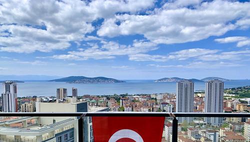 Квартира с видом на море в Стамбуле Алматы