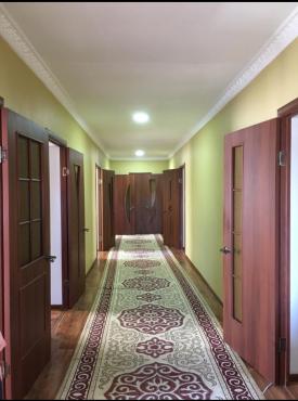 Продается 6 комнатный длм Караганда