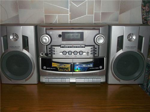 Продам муз. центр LG Радио Караоке в отличном состоянии Усть-Каменогорск