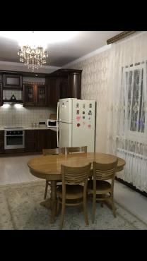 Стол кухонный из натурального дерева Алматы