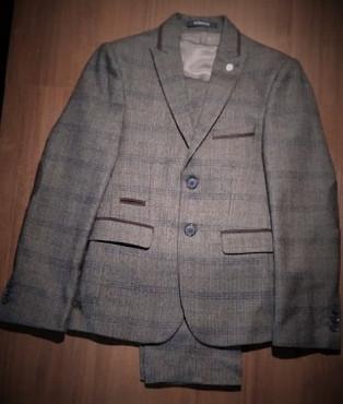 Классический подростковый костюм. Алматы