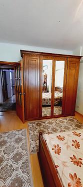 Продам трехкомнатную квартиру в районе Дворца школьников в г. Алма-ате. Алматы