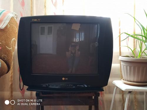 Продам б/у телевизор LG Костанай