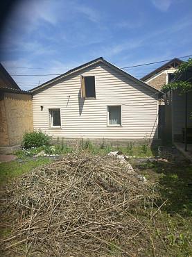 Продам двухкомнатный дом в районе пересеч. улиц Грибоедова-Бондаренко. Алматы