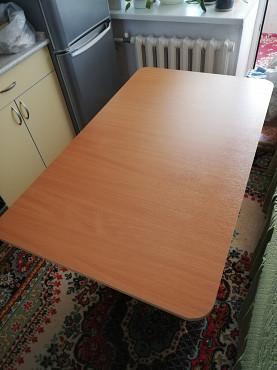 Продам кухонный стол и 4 табуретки Нур-Султан