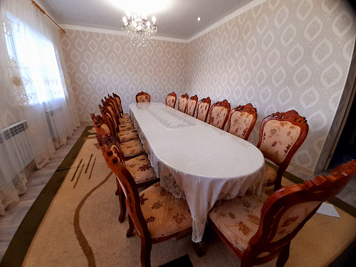 продам стол и стулья Актобе