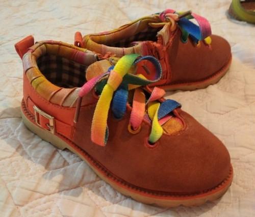 продам детскую обувь Шымкент