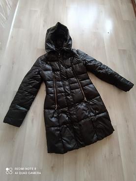 продам куртку сезон зима теплая длинная все замки целые Темиртау