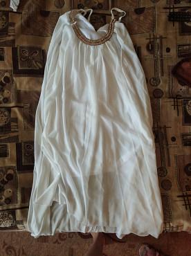 продаю беелое платье со шлейфом Шахтинск