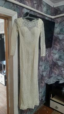 продам очень красивое платье Каскелен