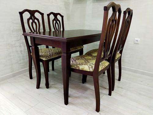 Кухонный стол со стульями. Актау