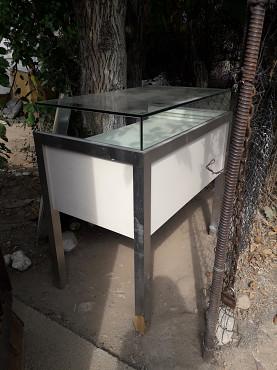 Стол витринный для магазина Есик