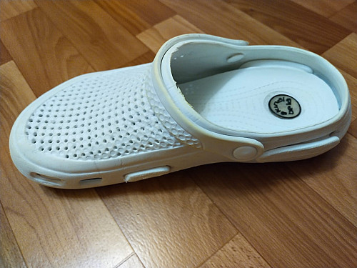 срочно продам медицинскую обувь Шымкент