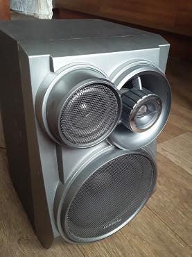 Продам фирменные колонки SAMSUNG. Каждая по 15 ватт. 3 полосы частот. В отличном состоянии Т. 87 Усть-Каменогорск