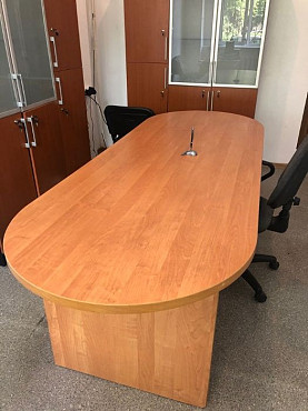 Срочно продам стол Алматы