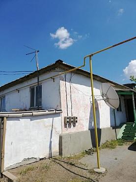 Продам дом 6 комнатный 2-х уровневый с участком 4 сотки и гаражом Затобольск