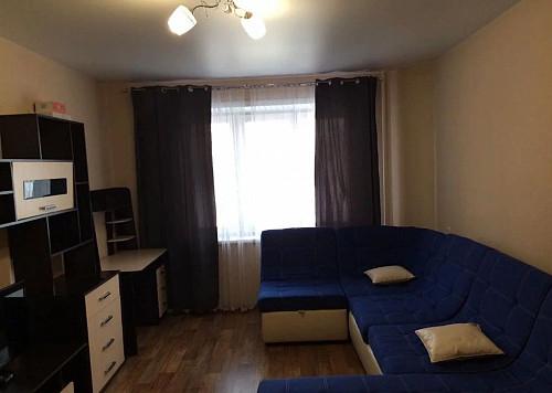 Отличная квартира с ремонтом по пр.Бухар Жырау 63 Караганда