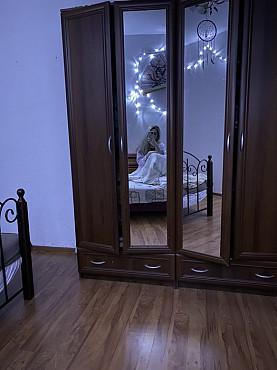 Девушка на подселение ( 2 комнатная КарГу) Караганда
