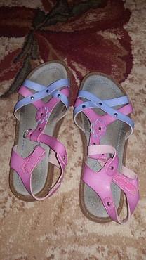 Продаю детские обувь Темиртау