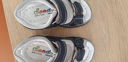 Детская  турецкая обувь.почти новая.5000тг Усть-Каменогорск