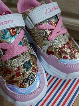Продам новые кроссовки Семей